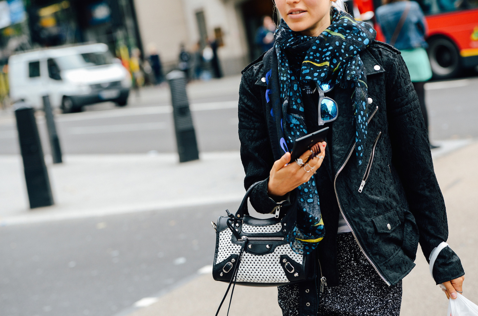 blue-sunglasses-street-style_Tommy-Ton-Spring-2015-RTW