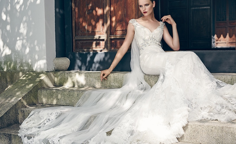 Badgley-Mischka-Spring-2016-Bridal-Campaign09